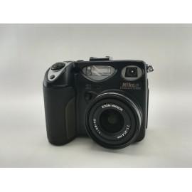 Nikon Coolpix E5000 para...